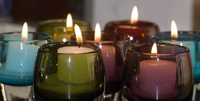 Candles by FotoDawg (flickr)