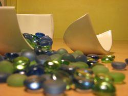 Broken dish by minkeymonkeymoo (flickr creative commons)
